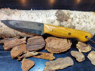 Picture of GECKO Custom Knife, Large with Chestnut Wood Handle