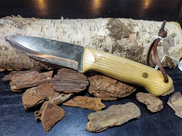 Picture of GECKO Custom Knife, Large with Ash Wood Handle