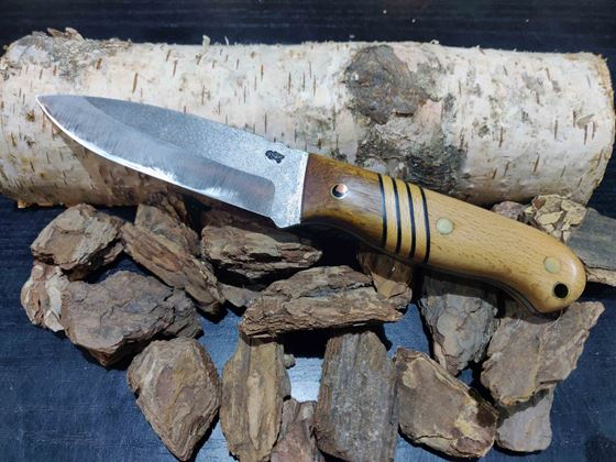 Picture of GECKO Custom Knife, Large, Tool Steel with Patterned Handle